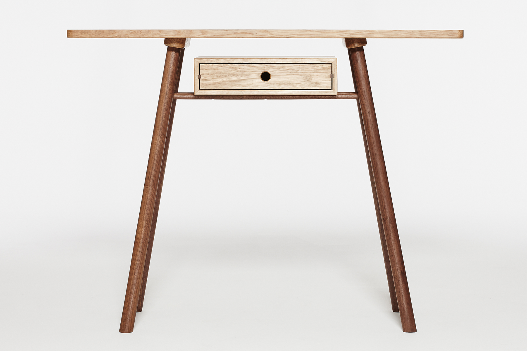 Fosse Console Front