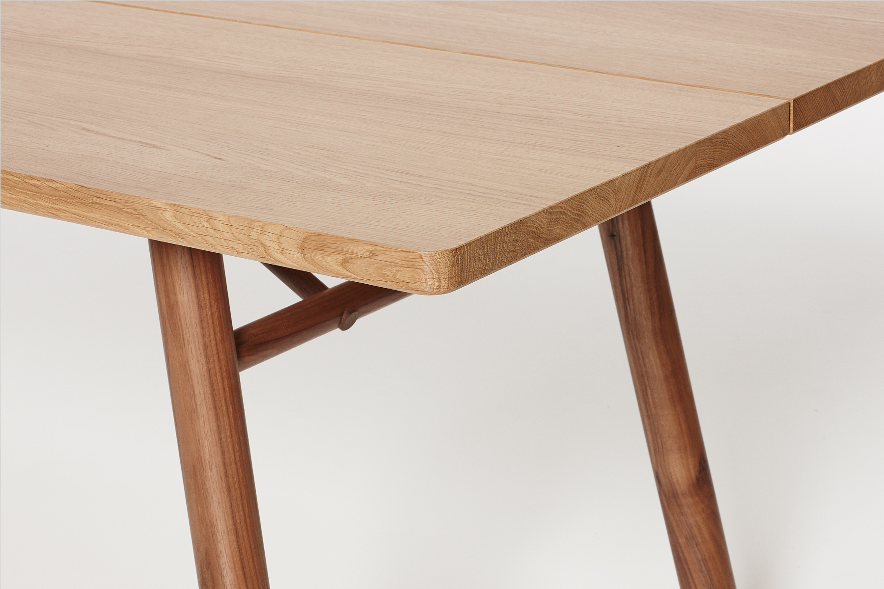 Fosse Table Detail