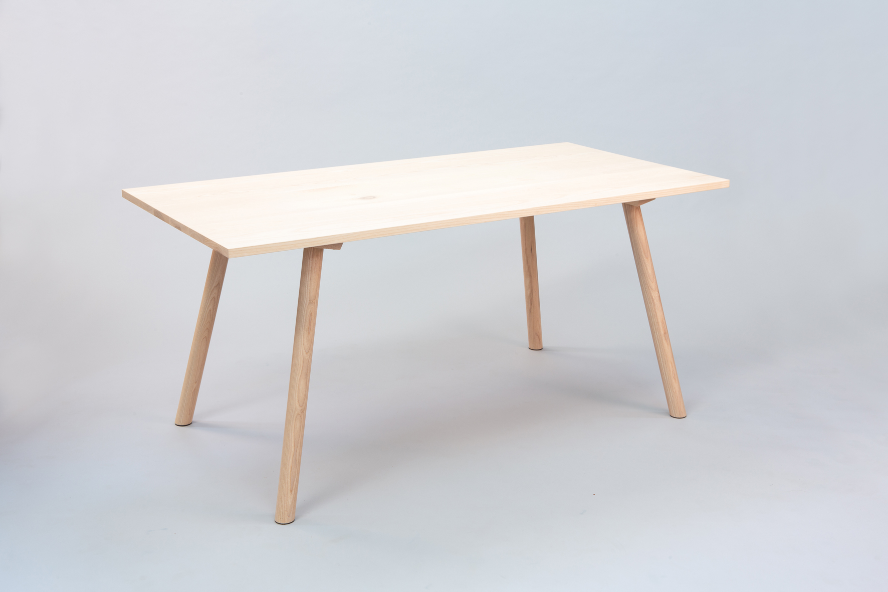 Cùram table 3 small.jpg