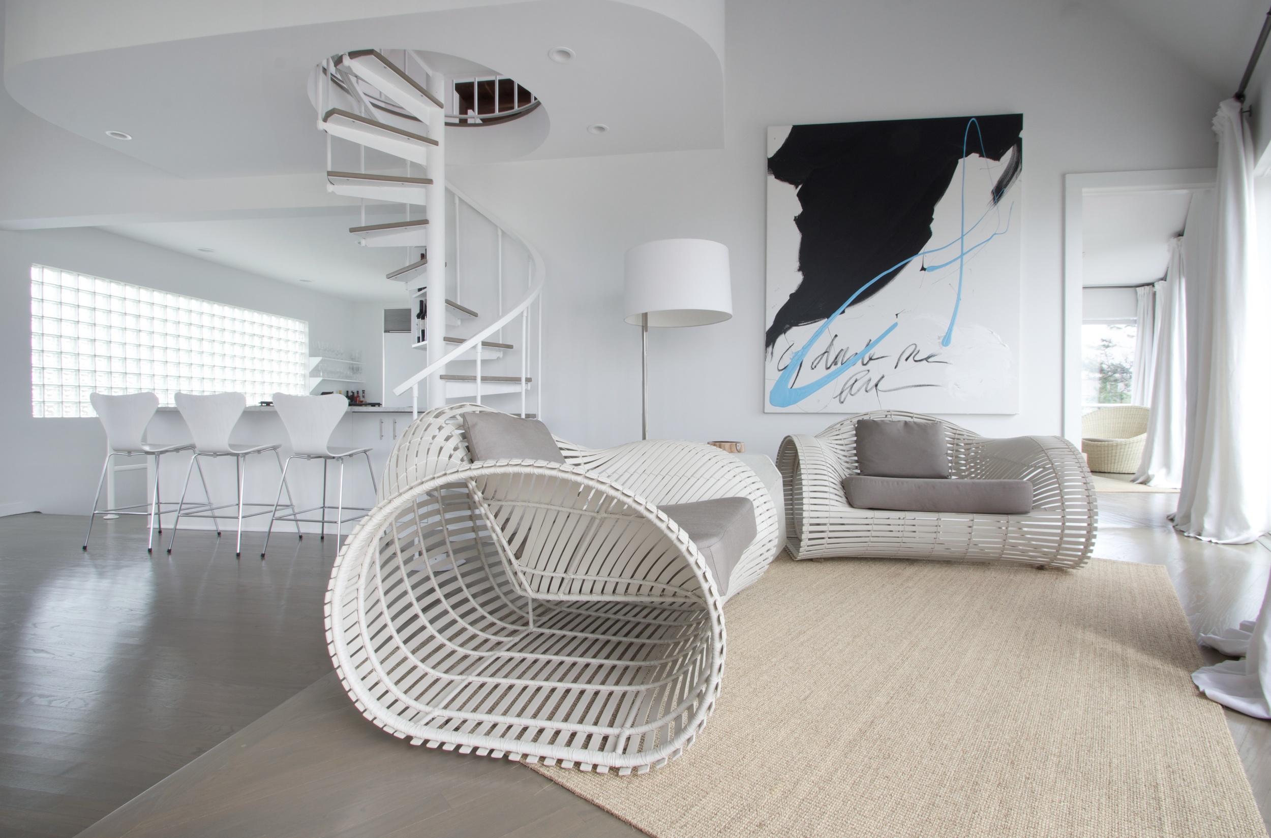 Schoeller + Darling Design - Amagansett Beach House -  Kitchen Lounge with Beach view