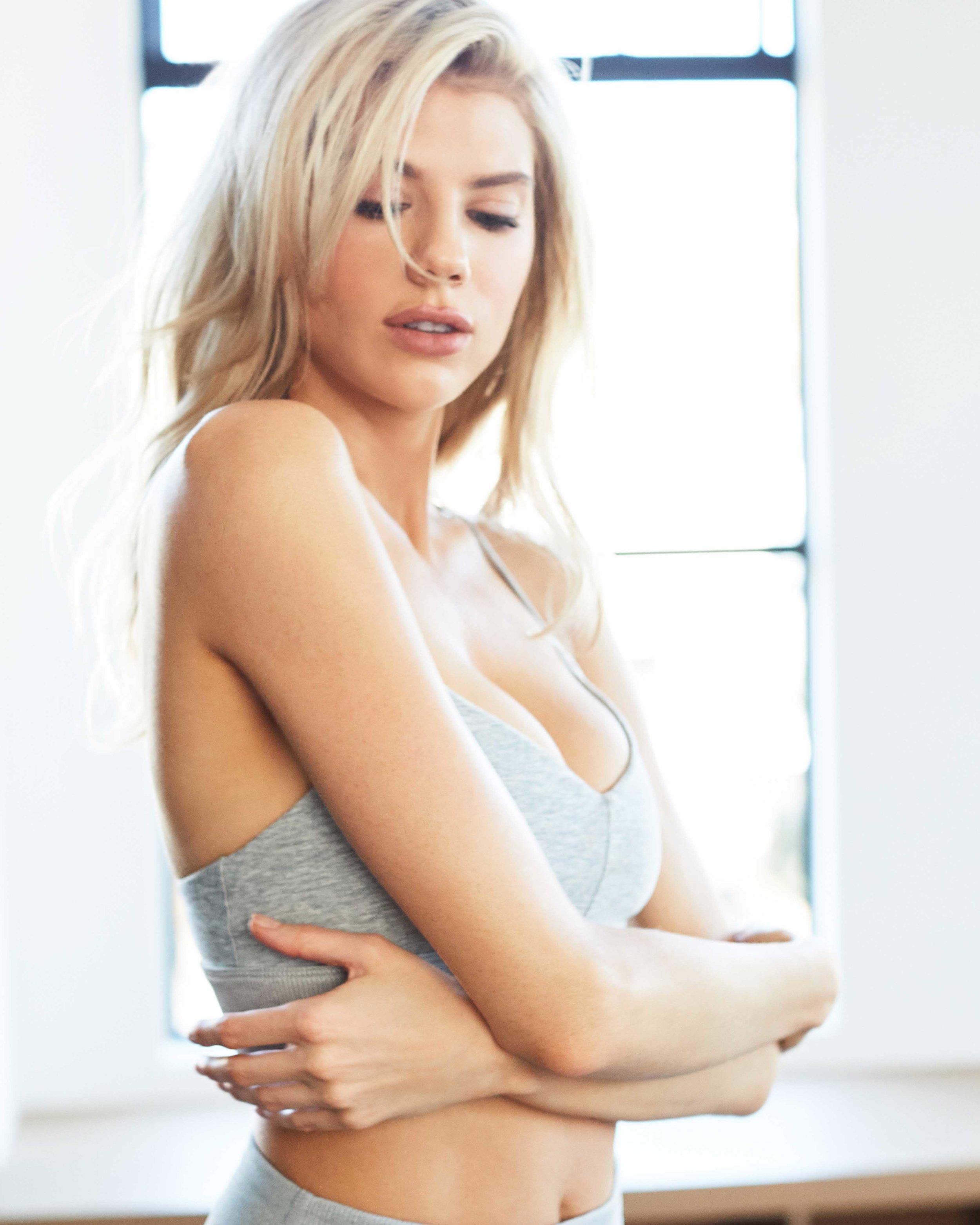 Charlotte McKinney for Alo Yoga / BEAUTY RETOUCHING