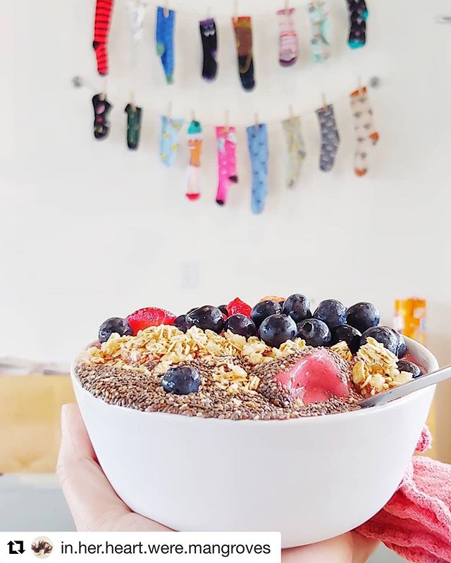 Love this photo of our The Get Up smoothie bowl taken by @in.her.heart.were.mangroves  It was so lovely chatting with you more about Spin and plant based goodness. Hope to see you again soon, Zoe! 🌀❤️ #eatdrinklaundry 👕 👖👚👗👙