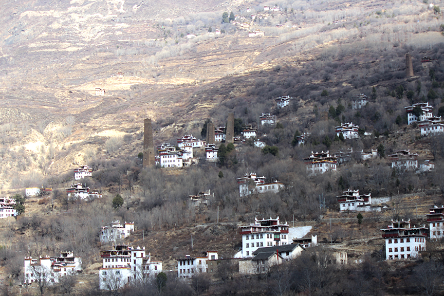 The landscape between Kangding and Shuangqiaogou: Tibetan-flavored without all of the harassment that comes with being a foreigner in actual Tibet...