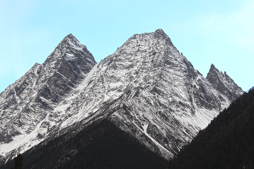 One of the peaks towards the back of Shuangqiaogou. The upper peak was plastered with snow.
