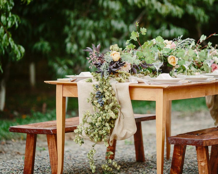 Hops Table Runner. Palisade Wedding Florist. 3 Leaf Floral
