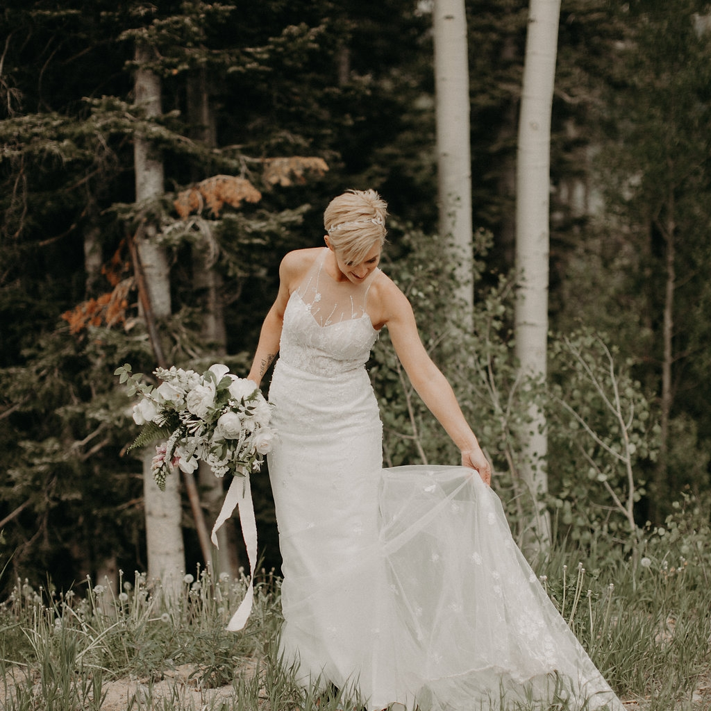 White wedding bouquet at San Sophia Overlook, Telluride Ski Area