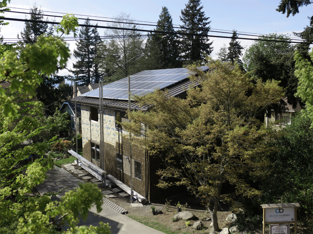 DA-Seattle    [Net Zero House]                                                9.9 kW / 36 - Itek 275w Modules / Solectria Line Inverter