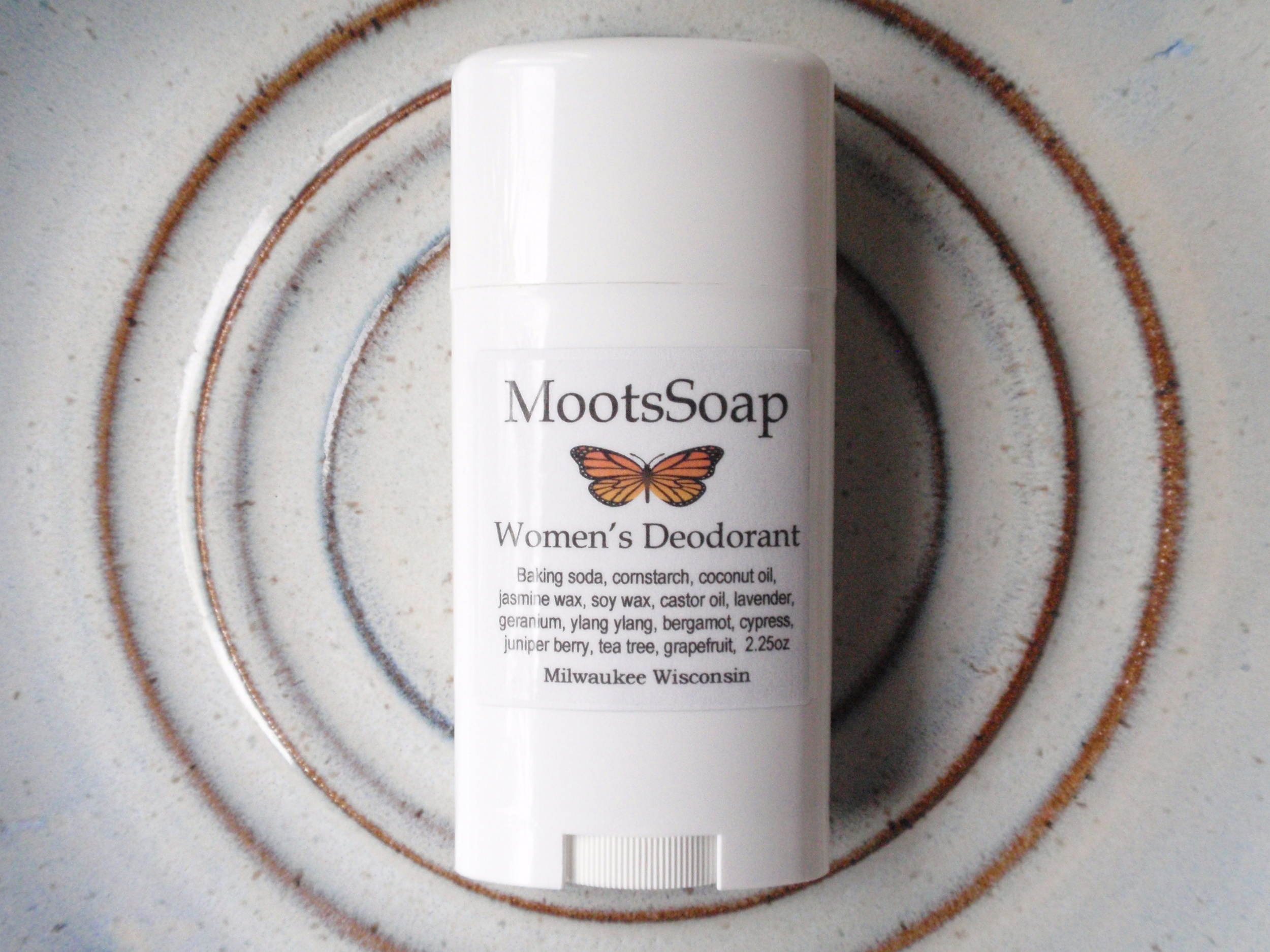 Our women's deodorant - A floral blend featuring jasmine and geranium.