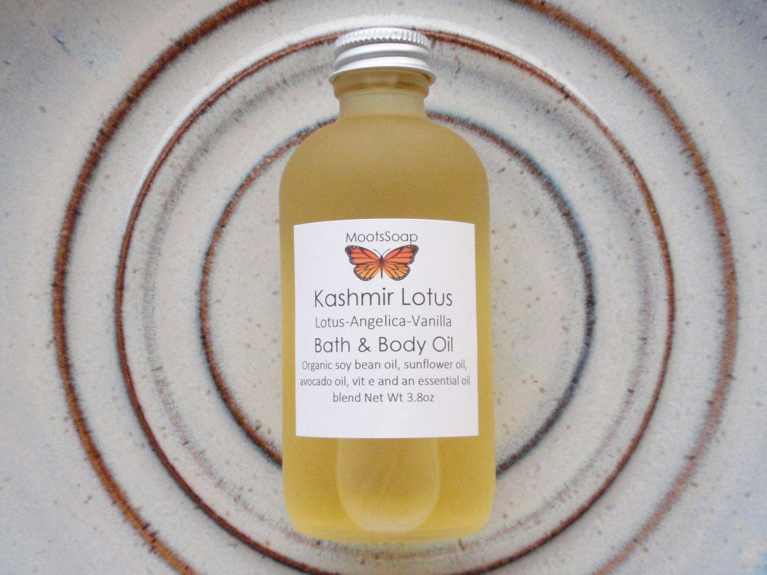 Kashmir Lotus Body Oil