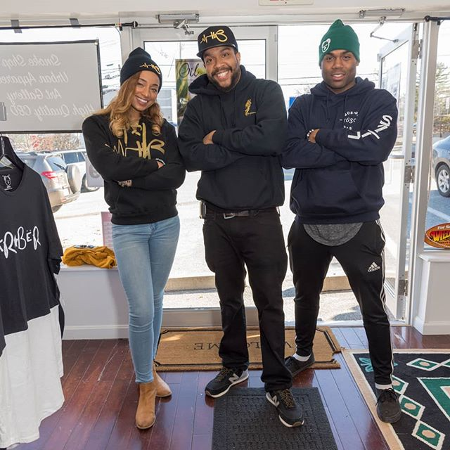 Grand opening was dope! Run through #RiseAboveSmokeShop and check them out! Get your #HaRBëRClothing exclusives! Show any IG post in person and get 5% off!! Open until 8pm! #Framingham #route9 #family #goodgenes #HaveAReason #BeËveryreason #riseabove