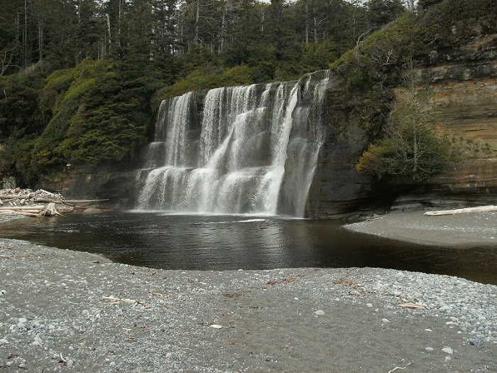 Tsusiat Falls, West Coast Trail.JPG