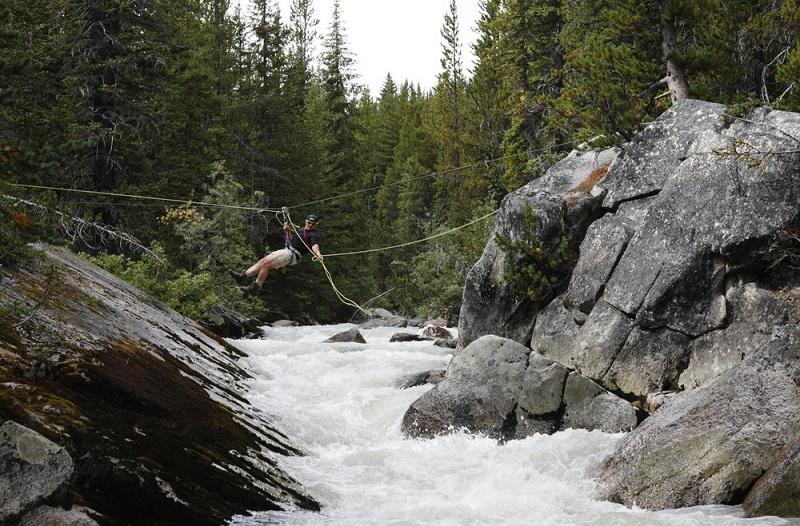 Tyrolean traverse, guided hike.jpg