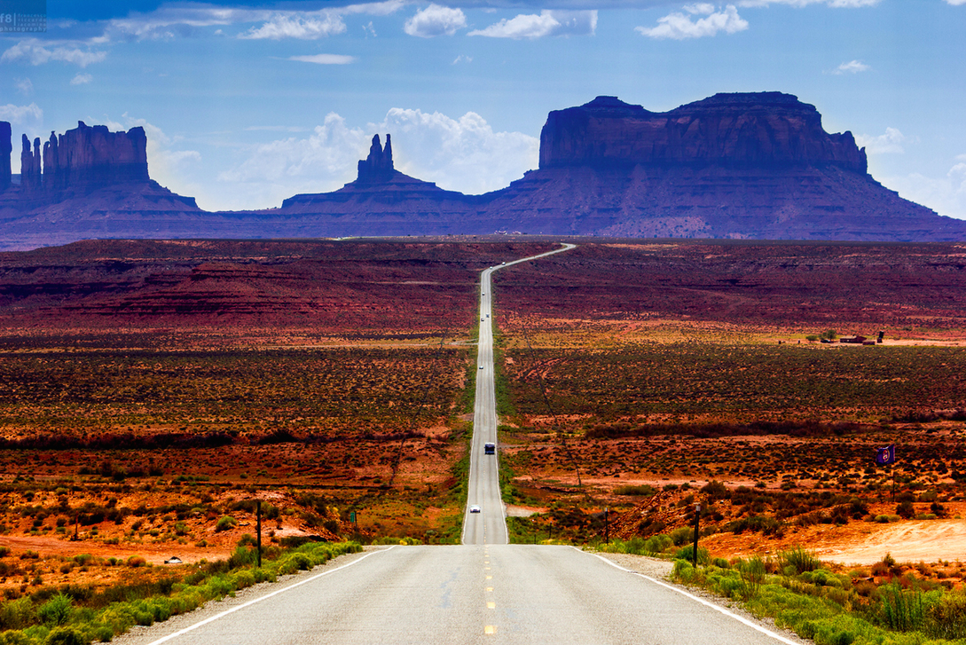 The road leading to Monument Valley, Colorado