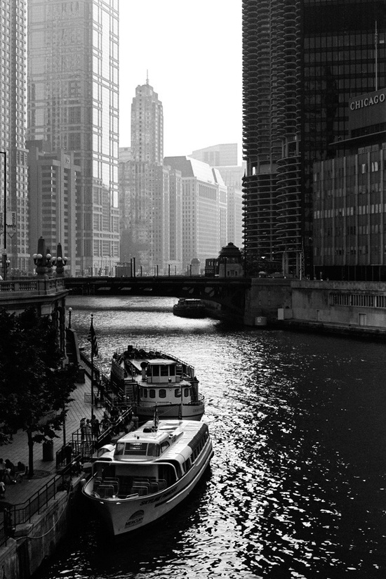 chicago boat tour.jpg
