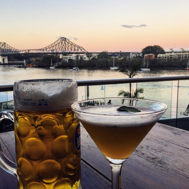 Sunday sessions + brisbane sunsets = perfection 👌 Loving this shot from @drinkstoeats #bavarianbiercafe #brisbaneats #brisbane #cocktails #steins #beer #sundaysessions #sunset
