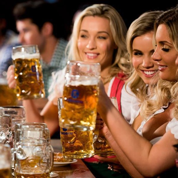 Time for some Saturday night steins, is there anything better? 🍻 #prost #beer #steins #saturday #bavarianbiercafe #beer #beerlovers