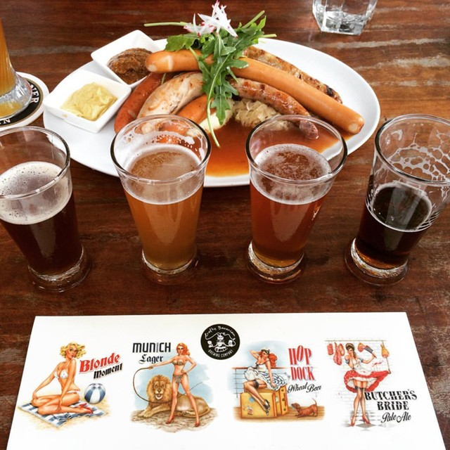 Let's get your Friday night off to a flying start with a Crafty Bavarian beer flight 👌 // RG @kristina_dawn_c #craftybavarian #bavarianbiercafe #tgif #beers #craftbeer