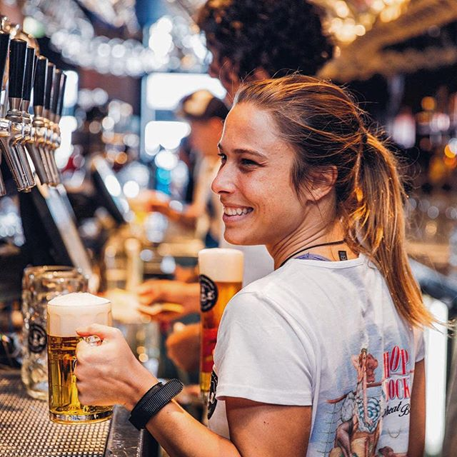 It's all smiles at The Bav! With one of Australia's best ranges of beer, we definitely put the happy into Happy Hour! Prost! 🍻 . . #germanfood #oktoberfest #oktoberfest2018 #pork #porkknuckle #sausages #beer #bier #bavaria #thebavarian #bavarian #munich #dirndl #lederhosen #oktoberfestinthegardens #pretzel #germanpretzel #munichlager #lowenbrau #spaten #germany #franziskaner #schnitzel #porkbelly #octoberwest #munichbrauhaus #therocks #circularquay #southwharf #southbank