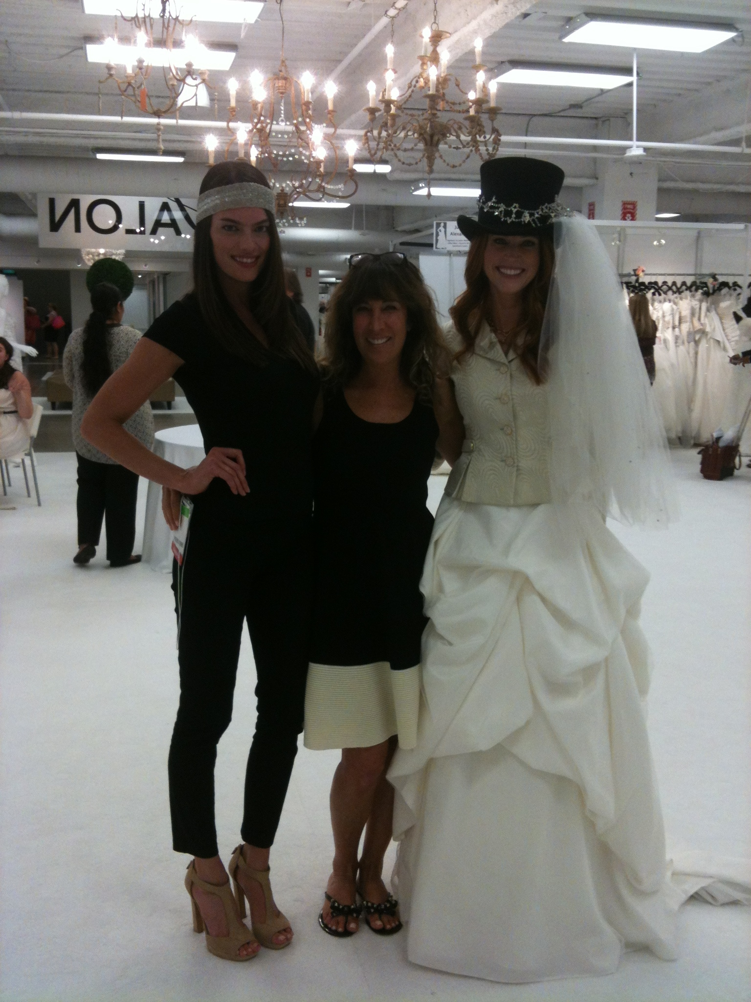 THE THREE DALLAS MODELS :-)  (Elen in the middle)