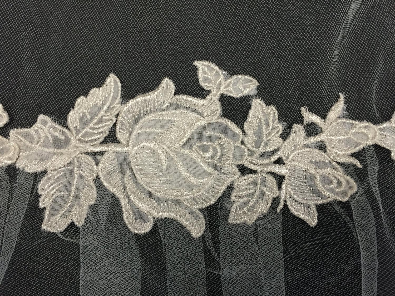 Style V5682  -DI Detail