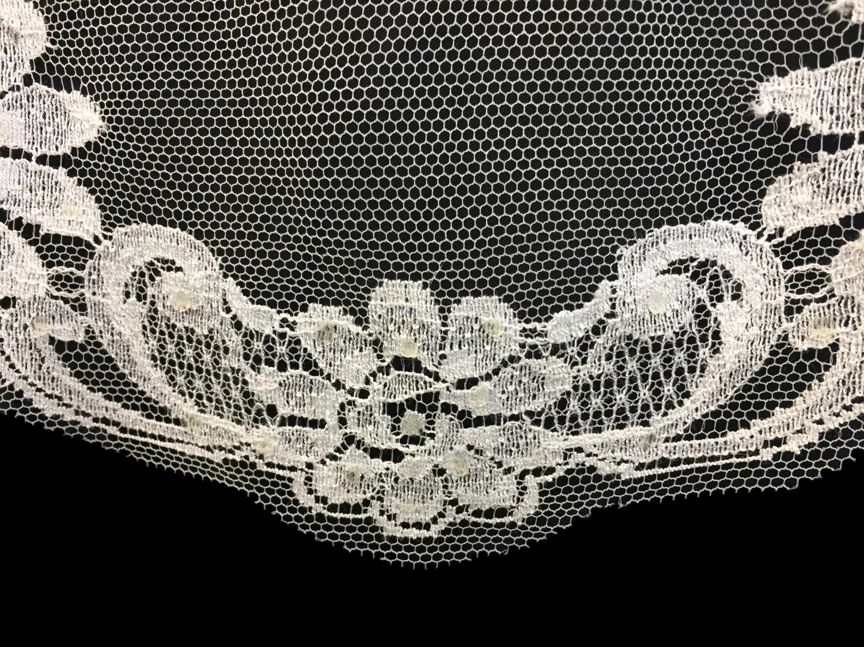 Style V5723-DI Detail