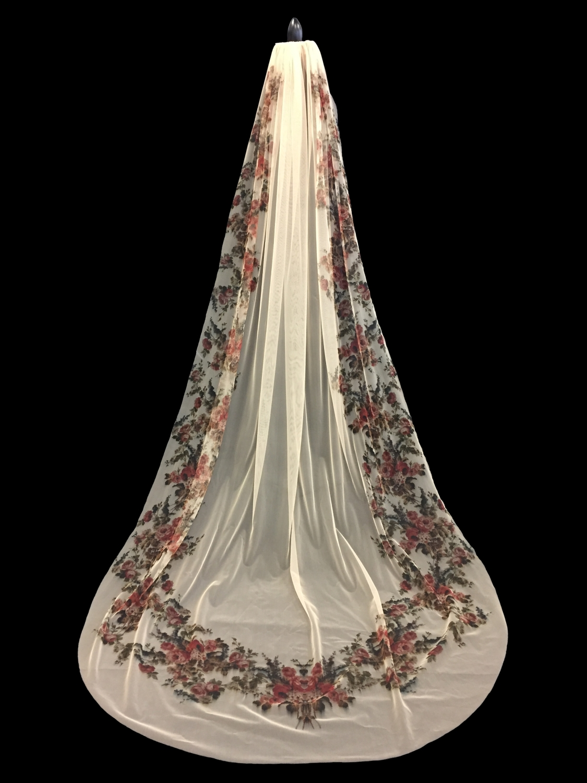 Style V5742-I _ U-Cut Silkscreen Garden Veil