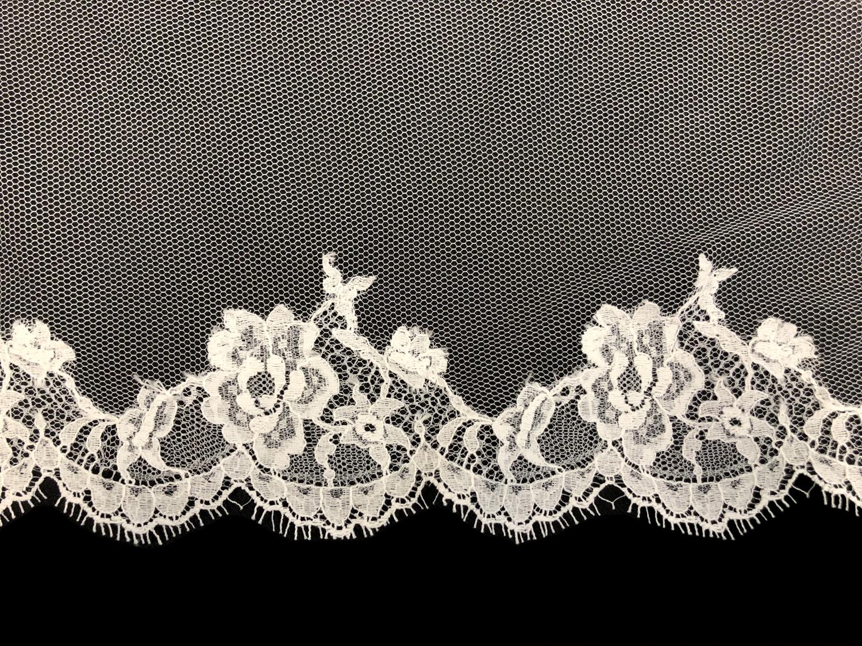 Style V5842-D Detail