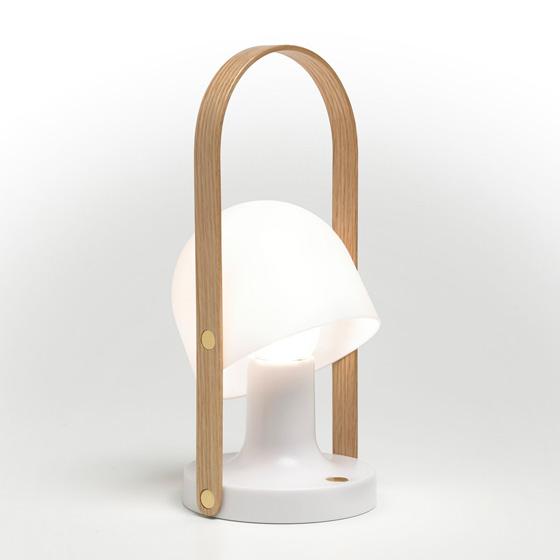 _FollowMe__lamp_by_Inma_Bermúdez_for_Marset_infw15_vt_4221_hr.jpg