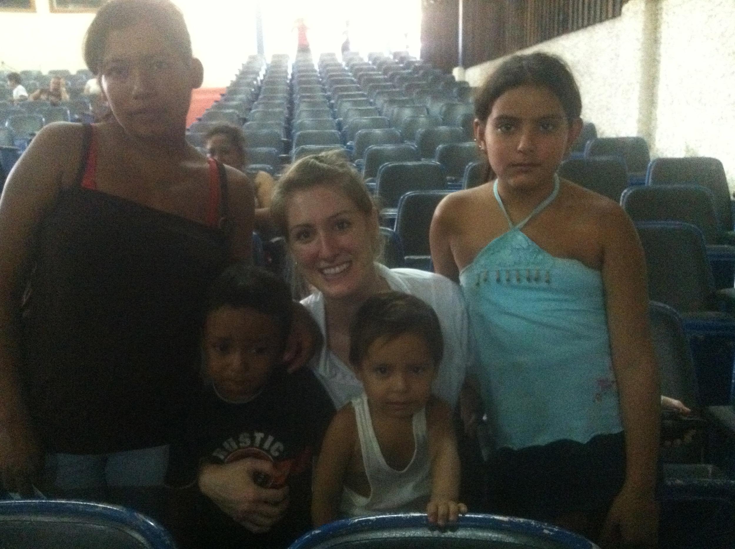 El Salvador 2012 - Over 5,000 people got healthcare