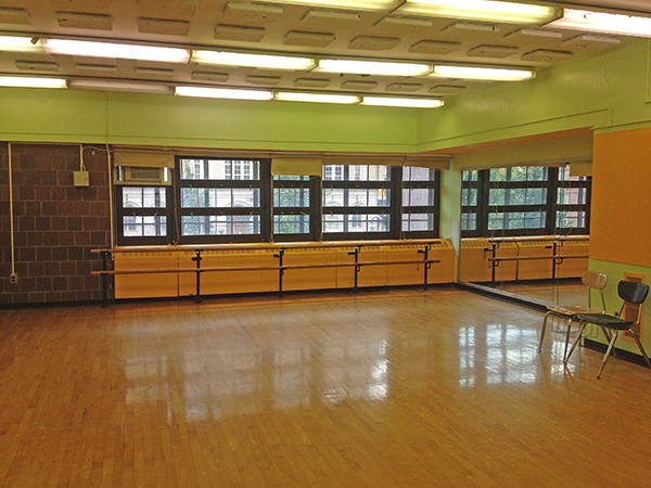This professional dance studio is perfect for dancers at all levels of their career to develop their practice.