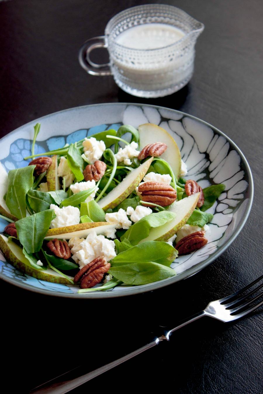 arugula salad with pears, feta & pecans :: my blue&white kitchen