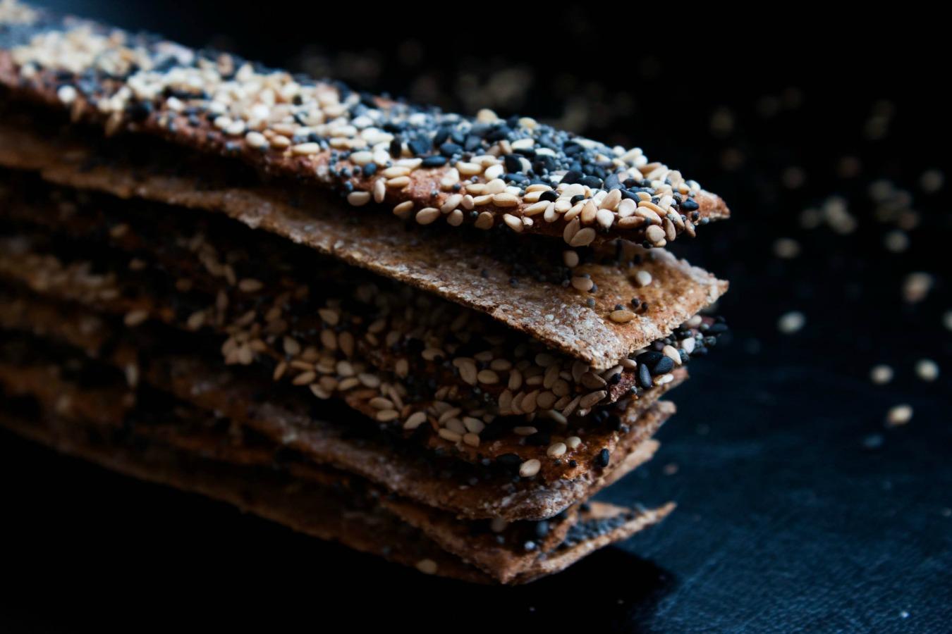 seed crispbread :: my blue&white kitchen