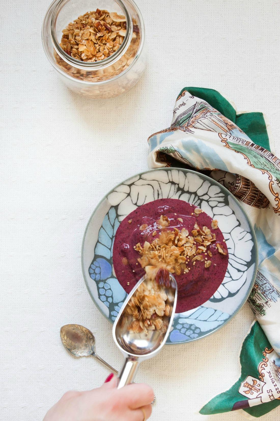 Frozen Bilberry Cardamom Yogurt | my blue&white kitchen