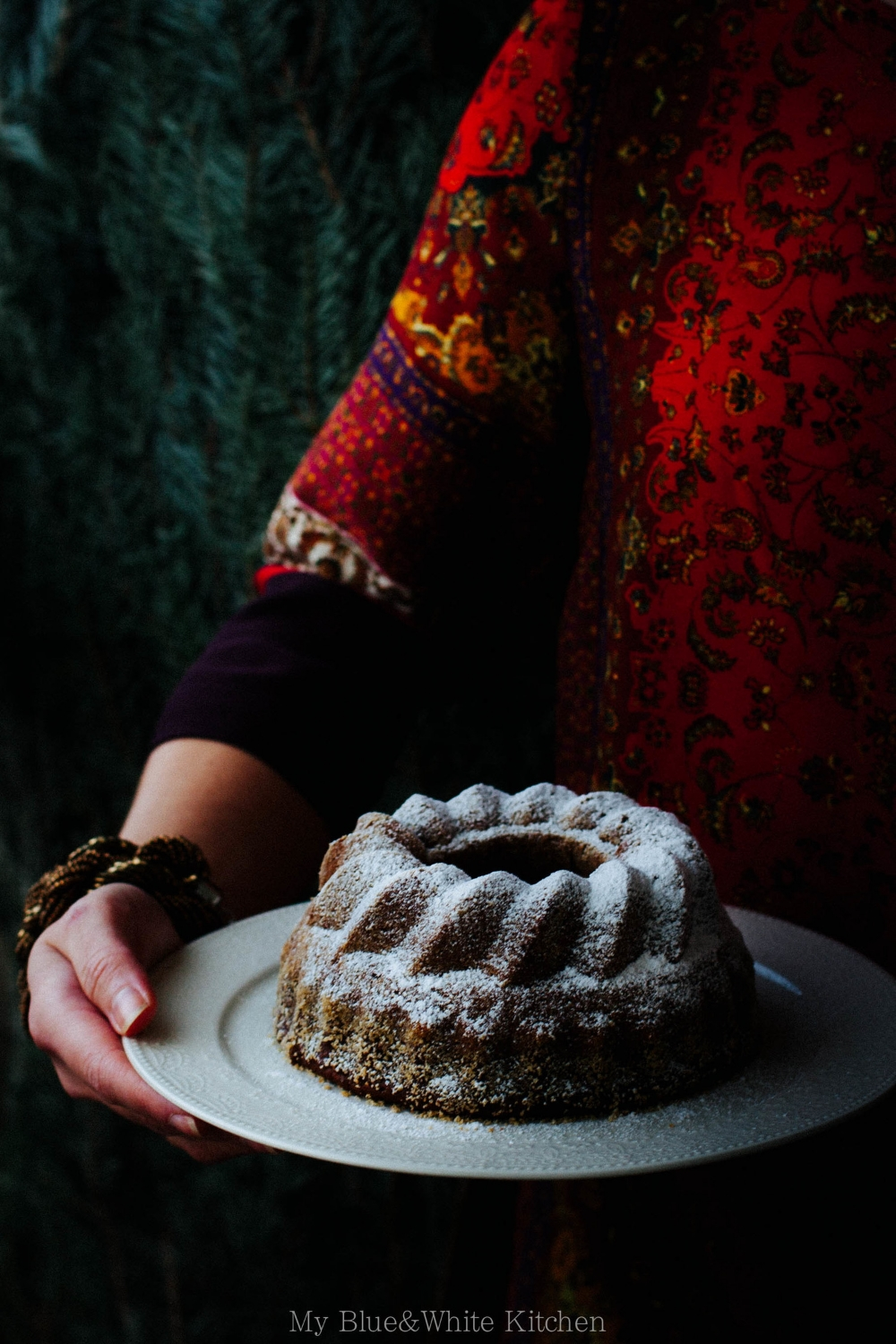 Traditional Finnish Christmas Date Bundt Cake | My Blue&White Kitchen