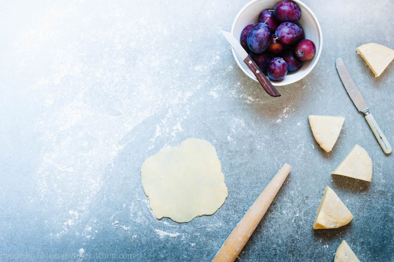 Plum Galettes | My Blue&White Kitchen