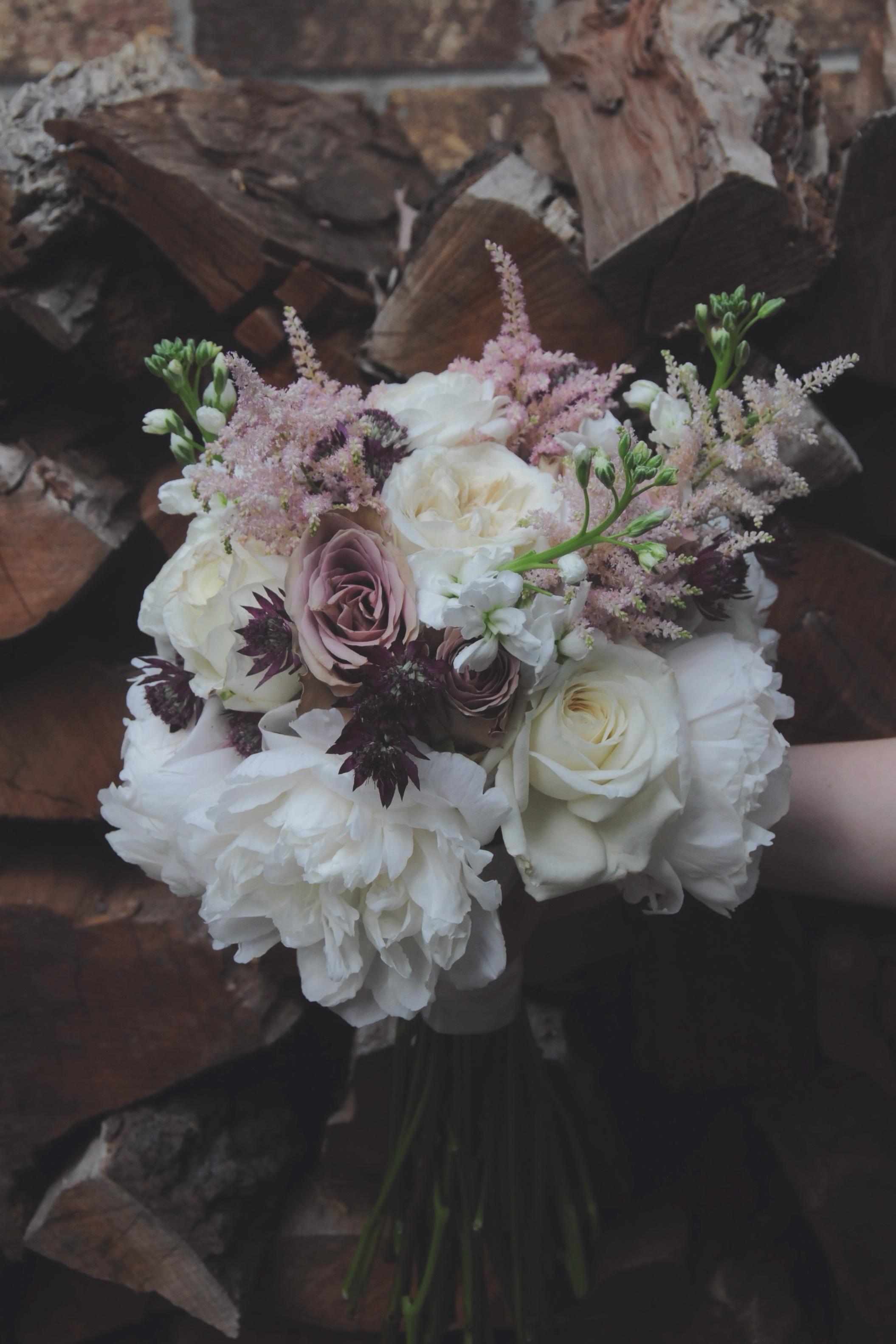 Soft purple bride bouquet