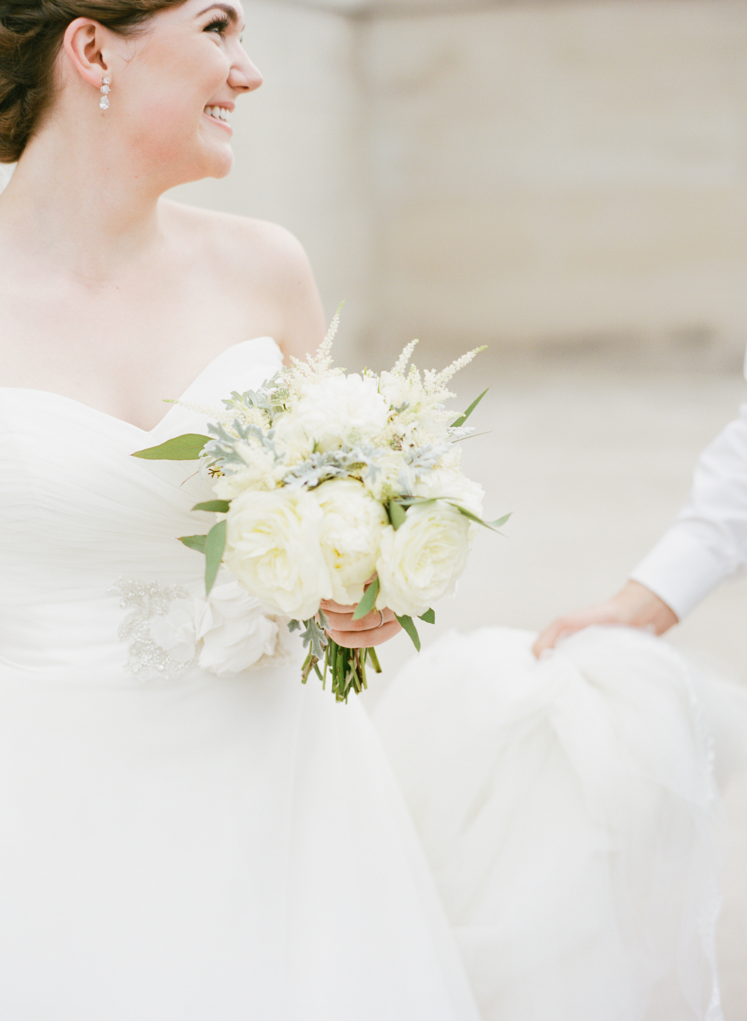 TN State Capital Wedding // Cream and Ivory Bridal Bouquet