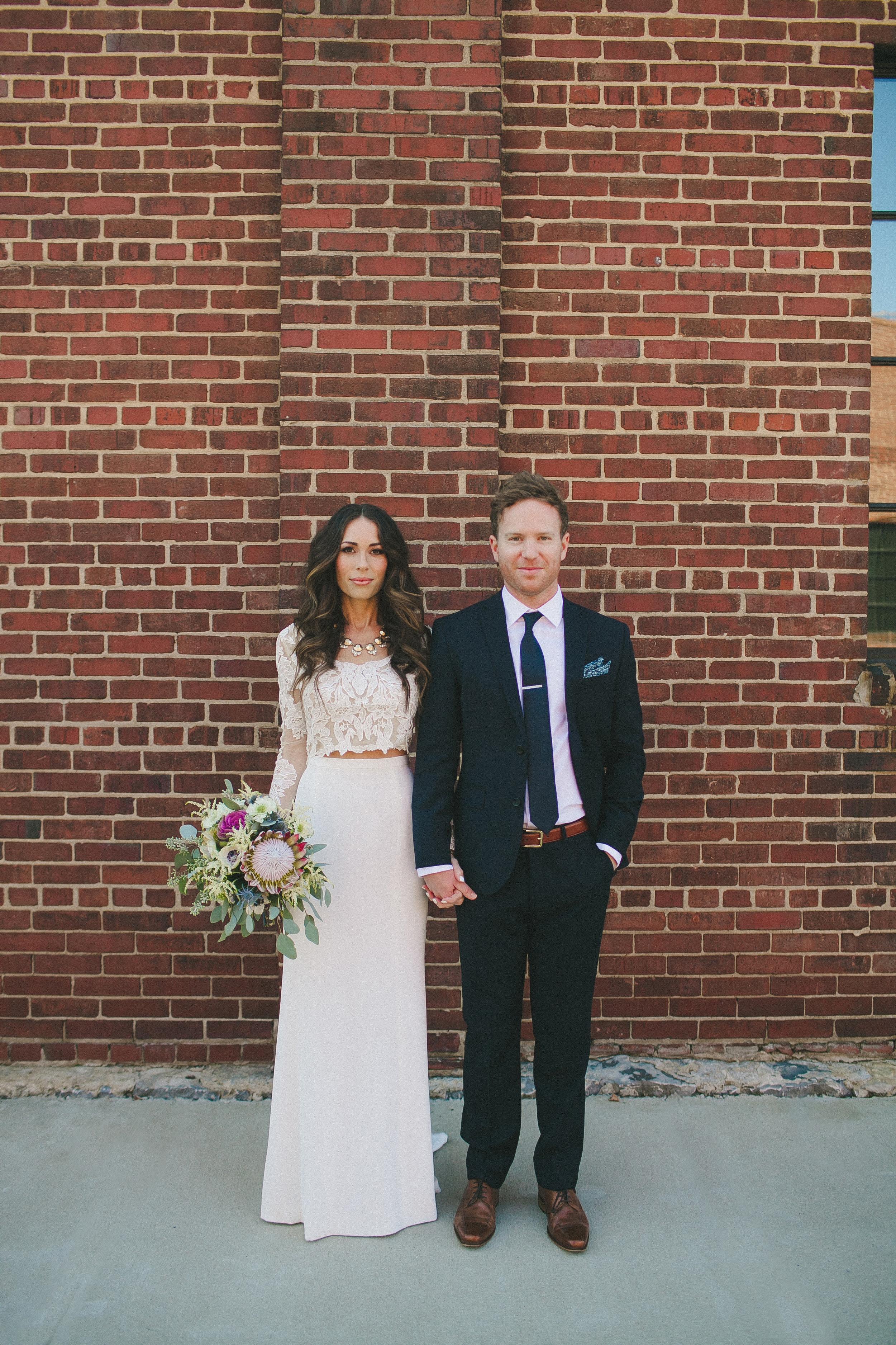 Stylish Bride and Groom // Nashville Wedding Flowers