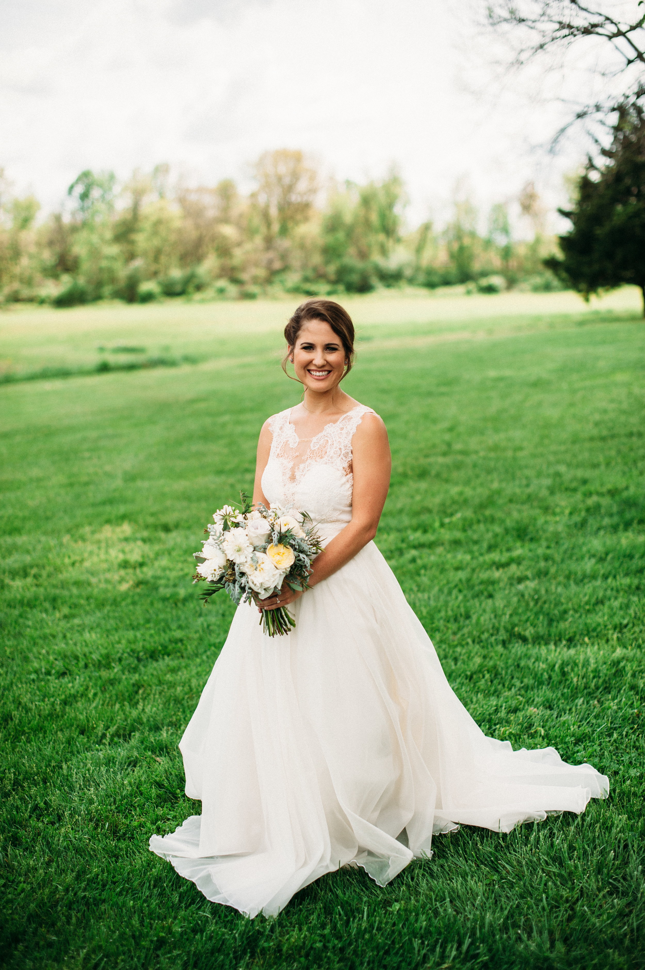 Carnton Plantation Bridal Portrait // Nashville Wedding Florist