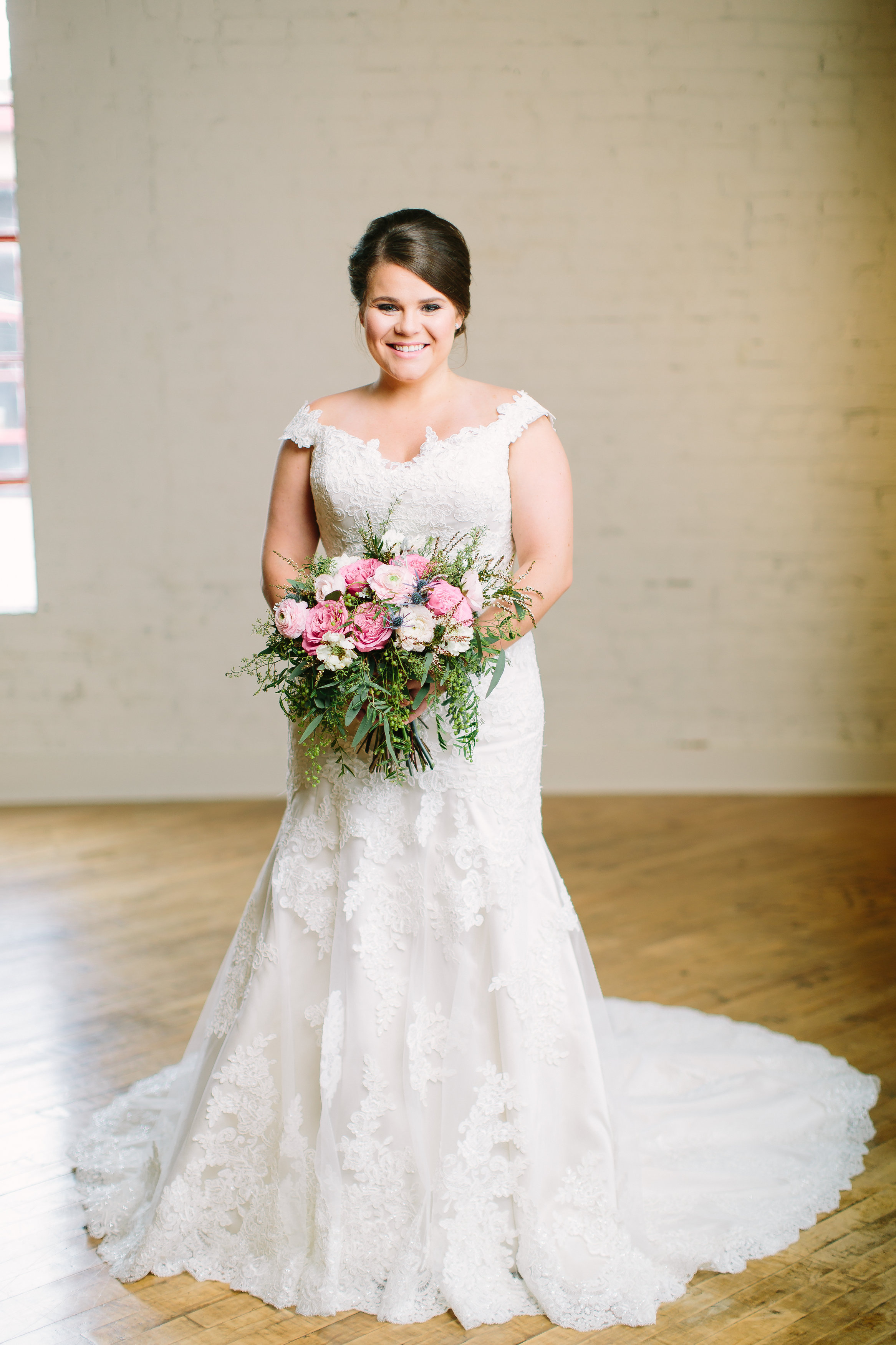 Nashville Bridal Portrait // Lush Bride's Bouquet