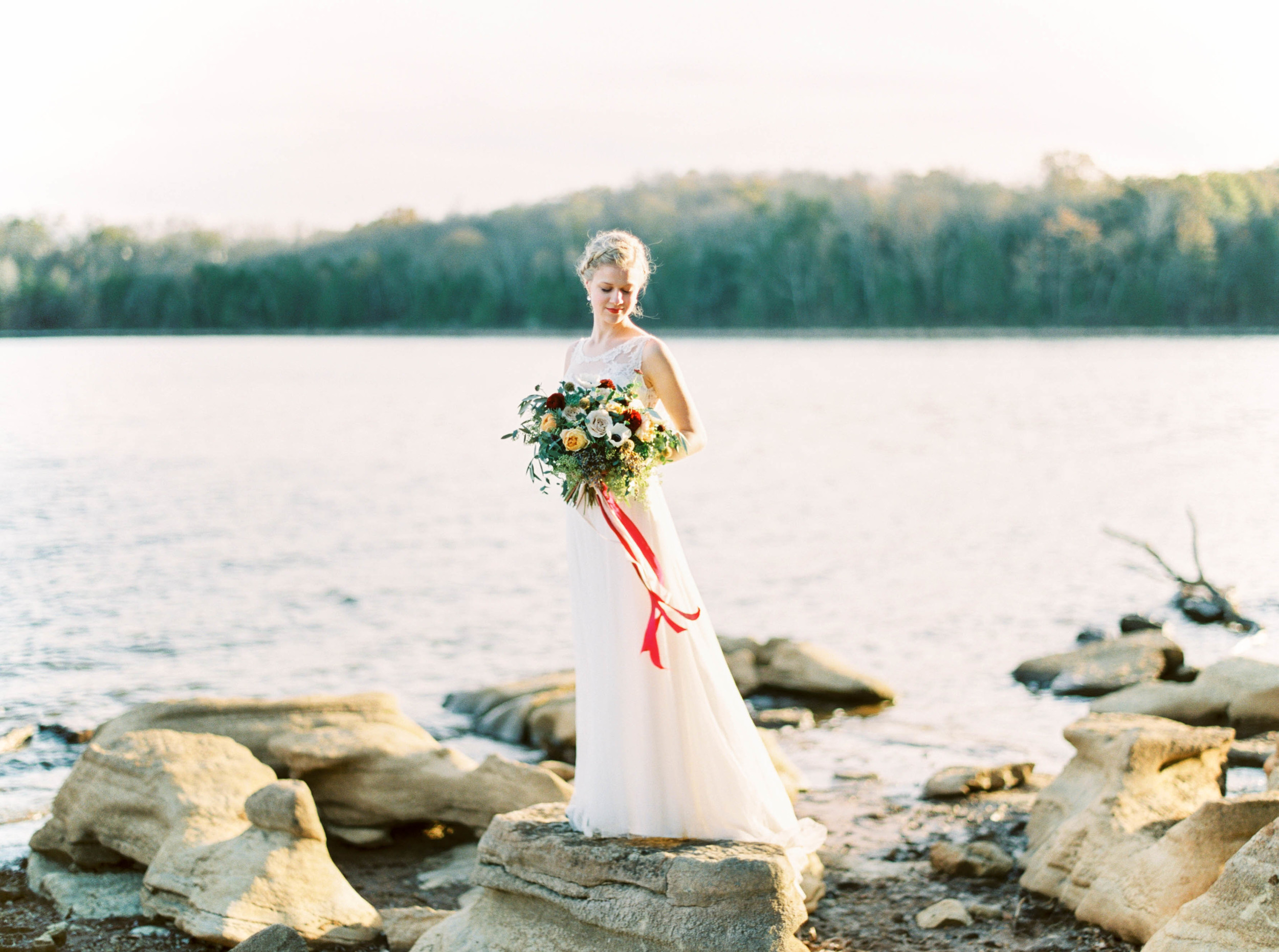 Lakeside Wedding Inspiration // Loose, natural bridal bouquet with cranberry and blush silk ribbon