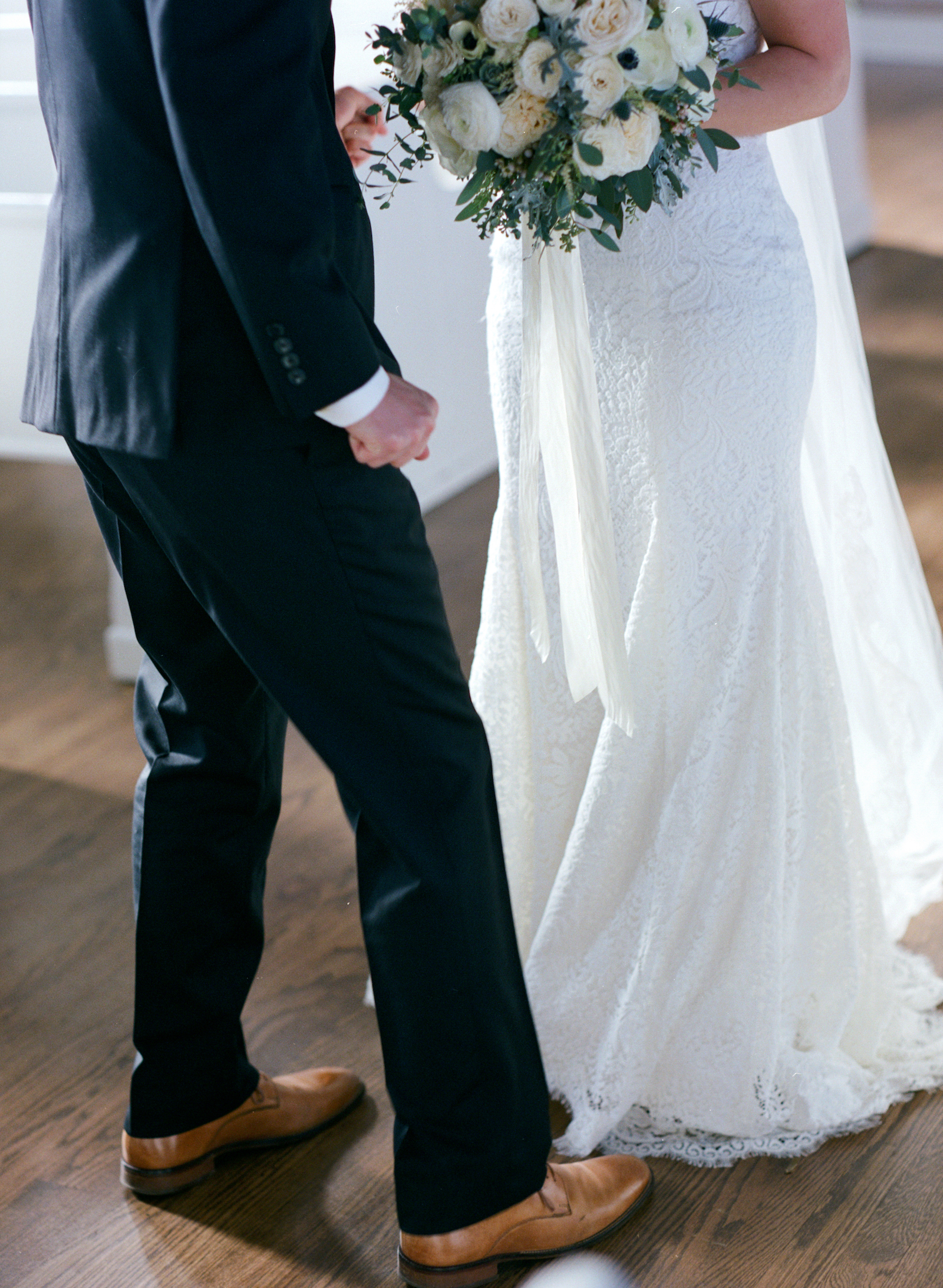 White Winter Wedding with loose, natural floral design in 12th South, Nashville