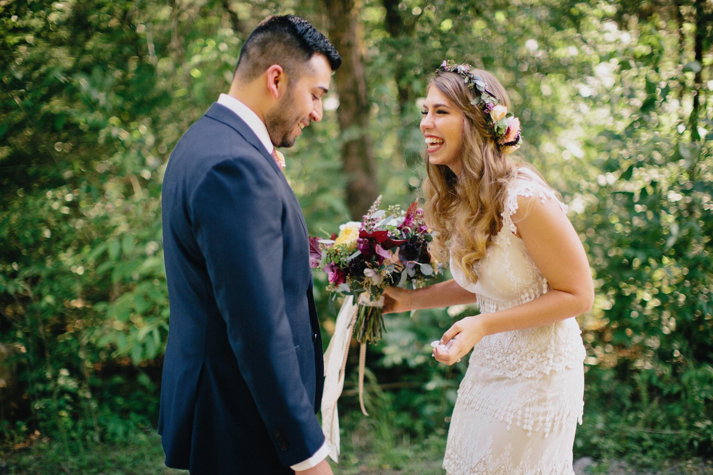 First Look // Natural, lush floral design