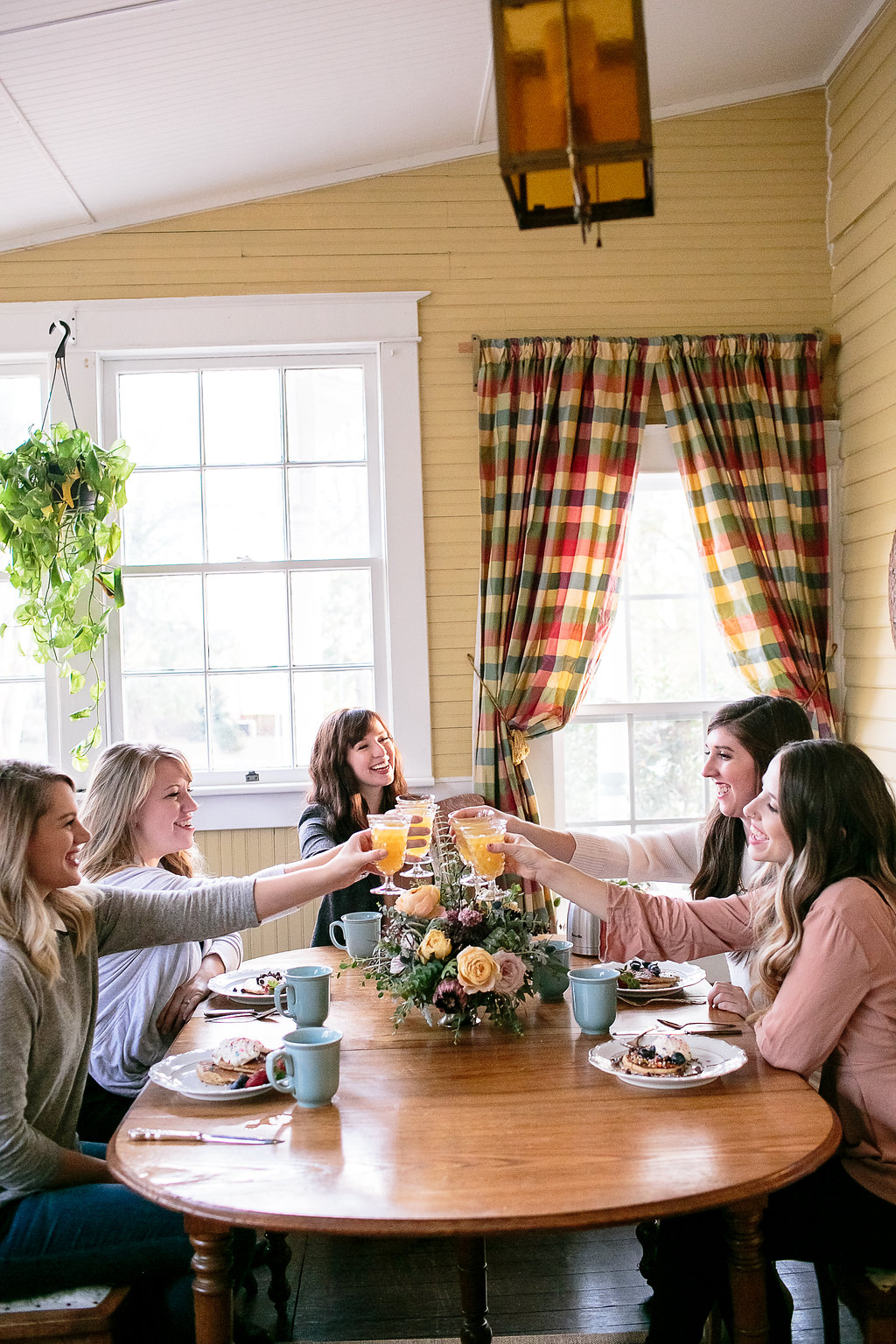 Gilmore Girls Bachelorette Weekend Inspiration // Pancake Breakfast // Nashville Florist