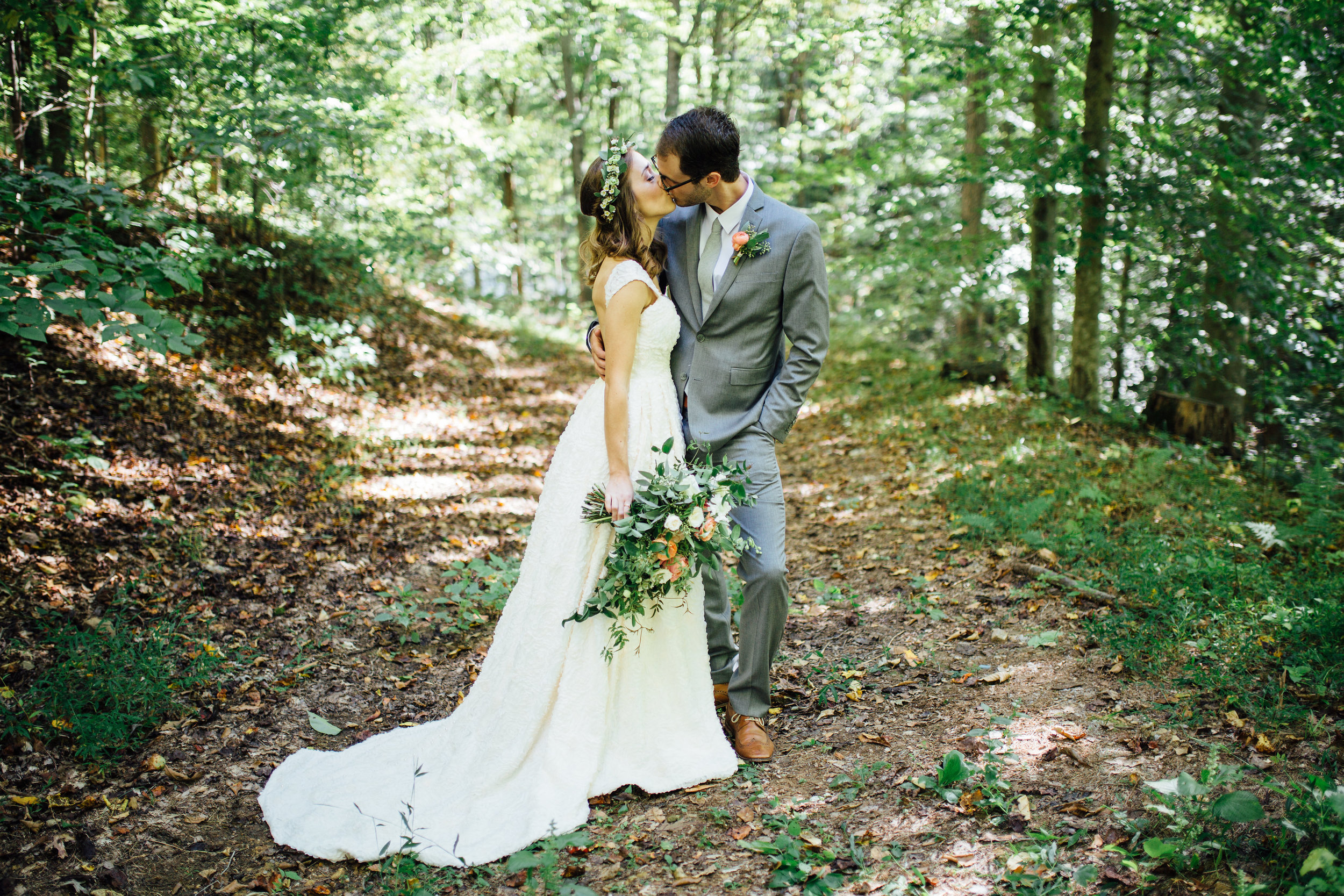 Natural, organic bridal bouquet with garden roses and ranunculus // Nashville Wedding Flowers