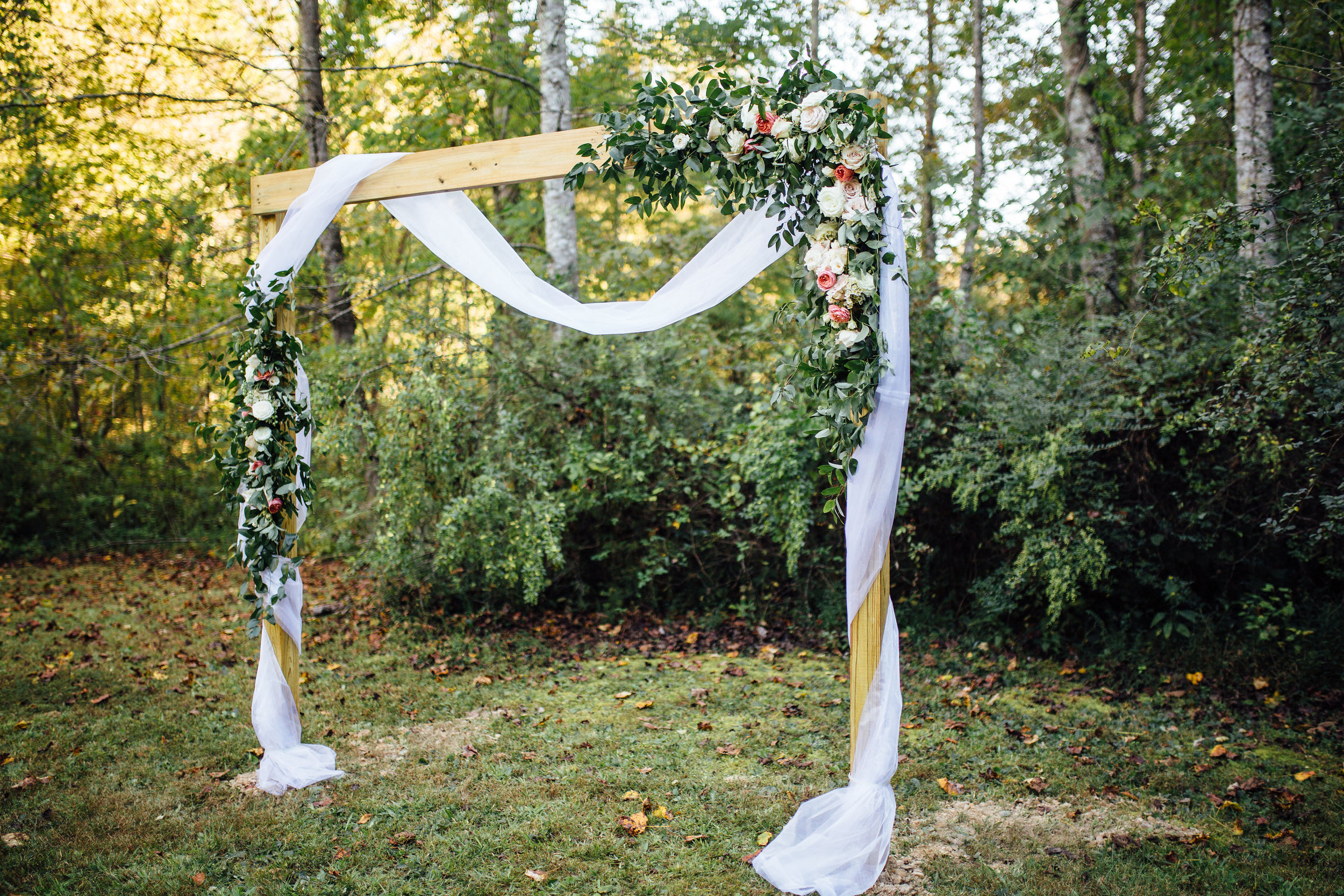 Wedding Ceremony in the Tennessee Woods // Southern Floral Design