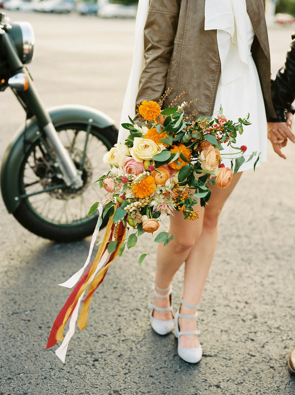 Retro elopement wedding inspiration with coral and pink flowers // Nashville Wedding Flowers