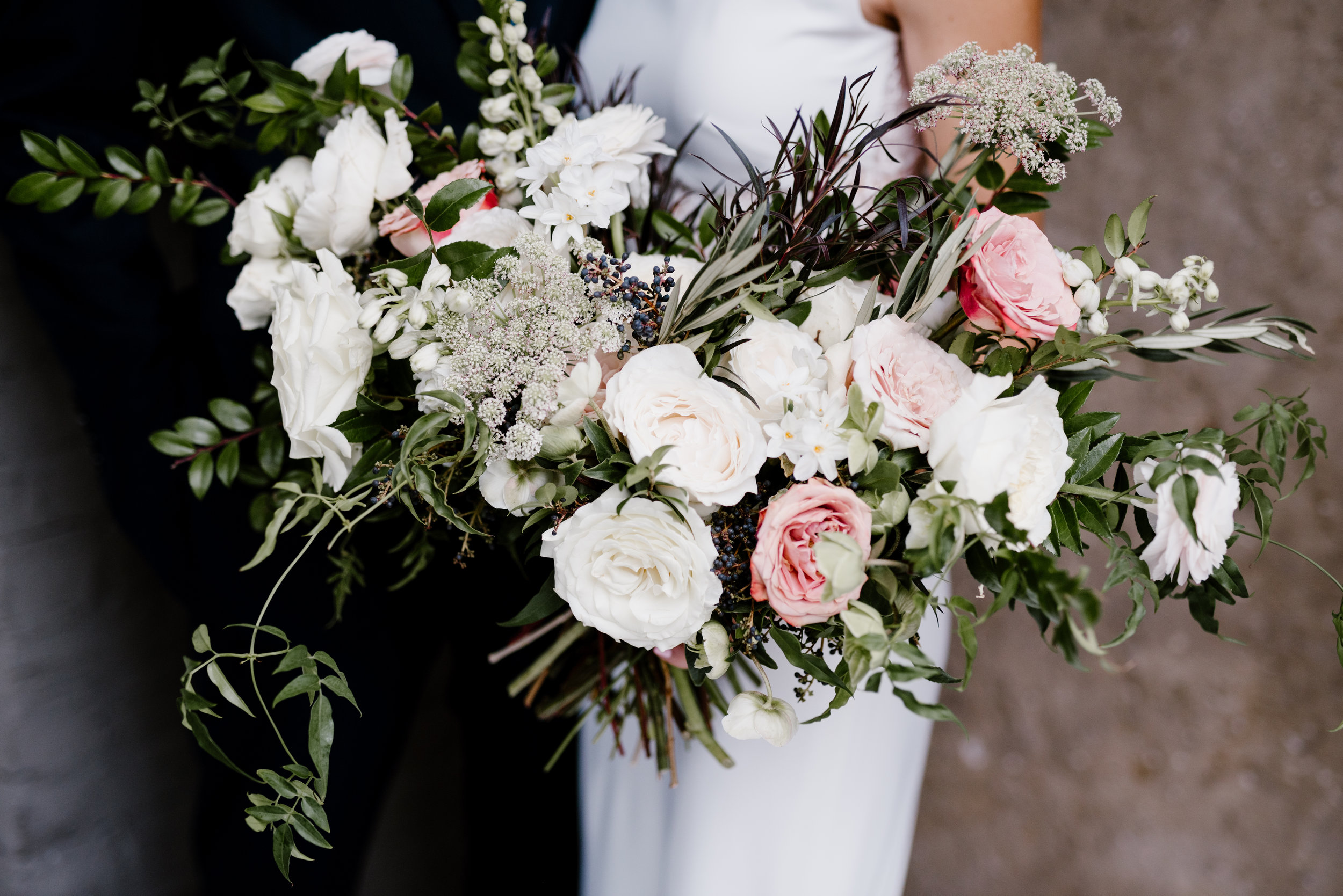 Lush bride's bouquet with garden roses, chocolate laceflower, ranunculus, and greenery// Nashville Wedding Flowers at the Cordelle