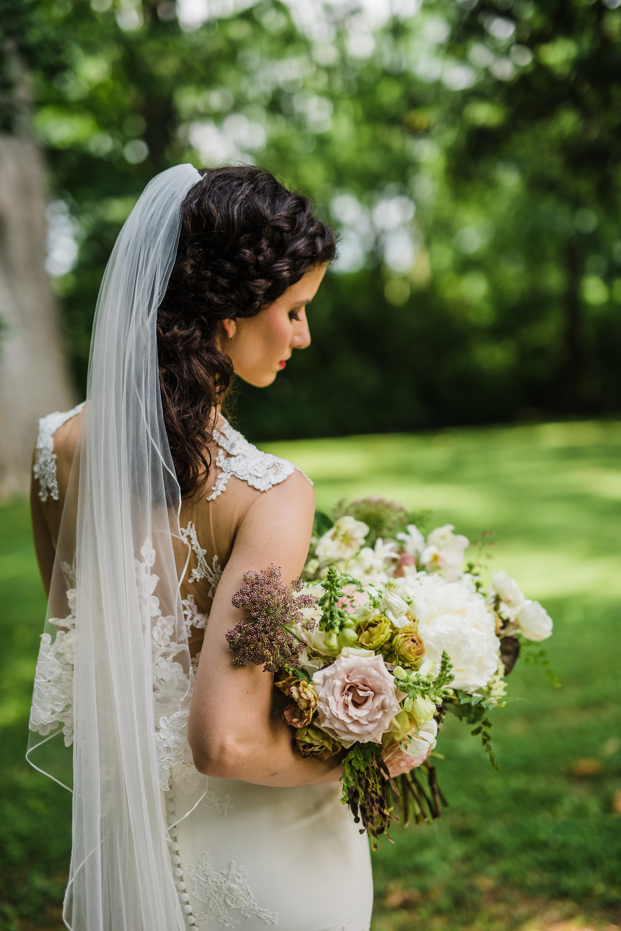 Organic, natural bridal bouquet with peonies, laceflower, greenery and neutral colors // Nashville Wedding Floral Design