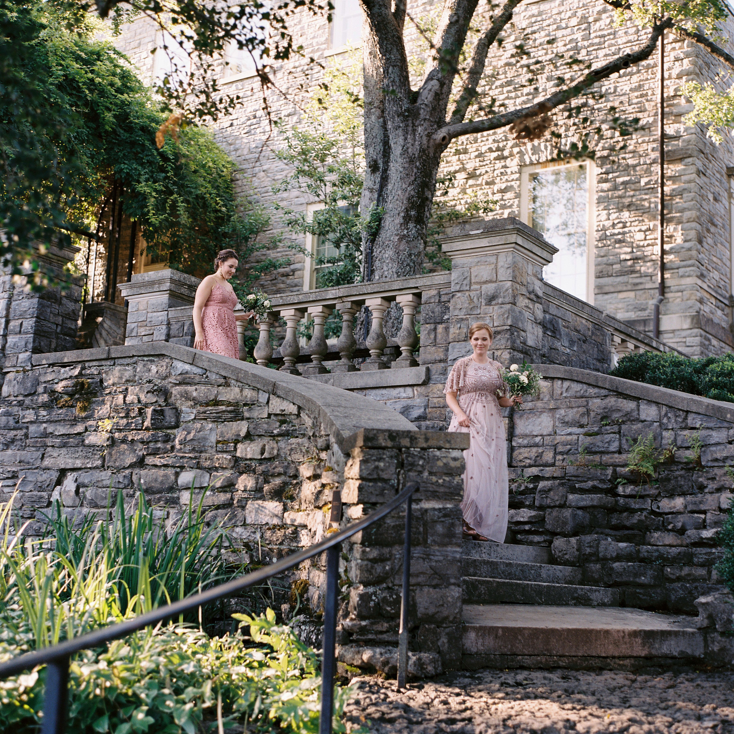 Cheekwood wedding with lush, organic flowers // Nashville, TN and Southeastern Wedding Floral Designer